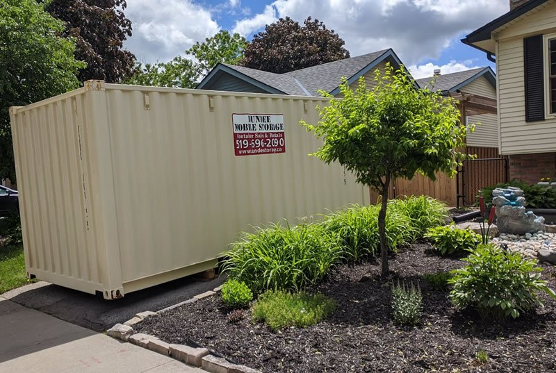 front yard mobile container 800